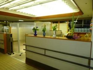 福祉センター1階相談室4(事務所前)